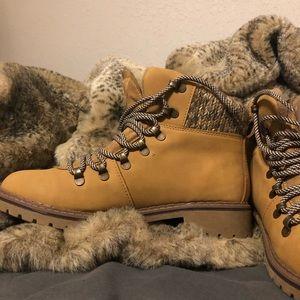 Time & Tru women's hiking boots